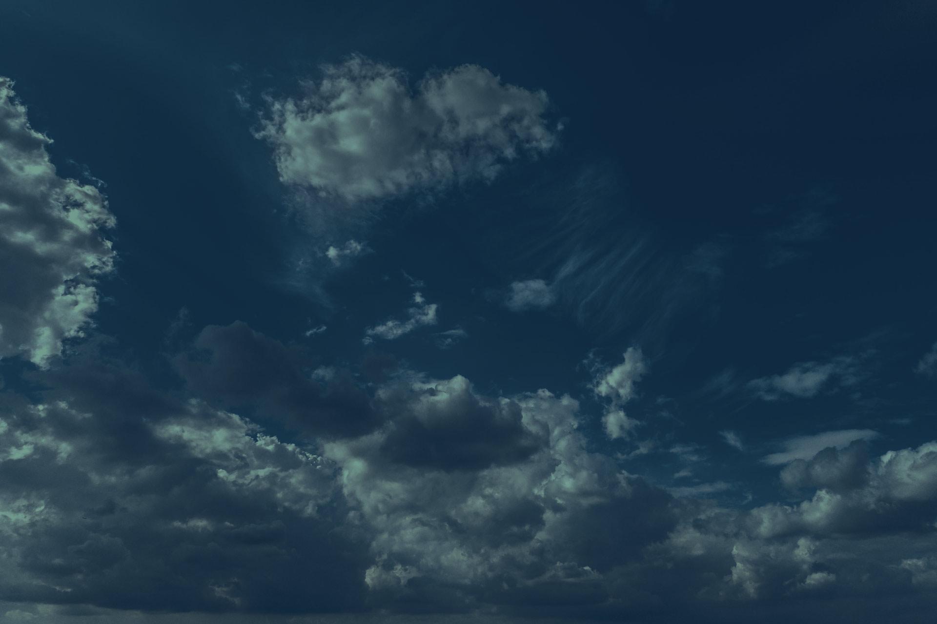 Datatrim-header-background-sky5-1920-1280